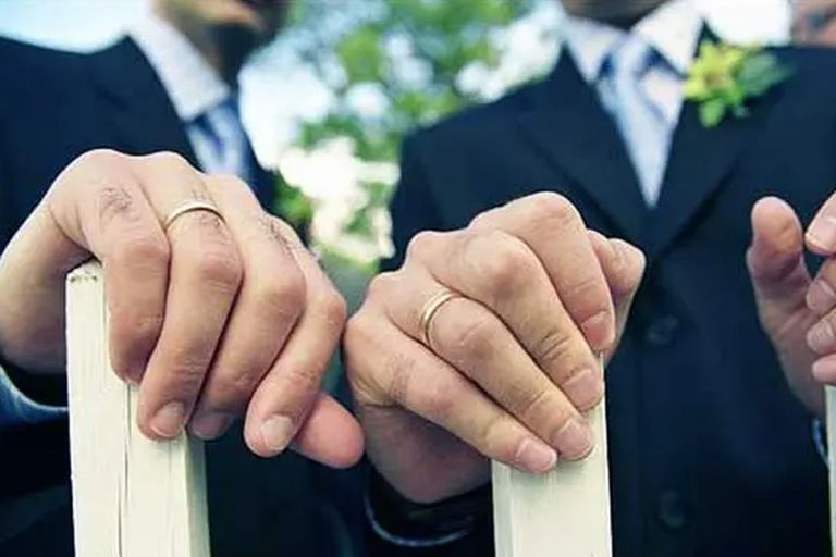 Se celebró el primer matrimonio entre dos hombres en Ecuador