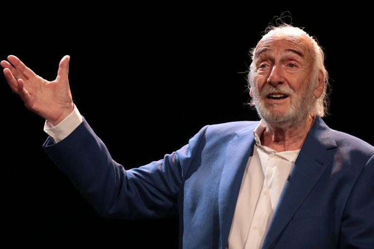 Héctor Alterio, en el escenario