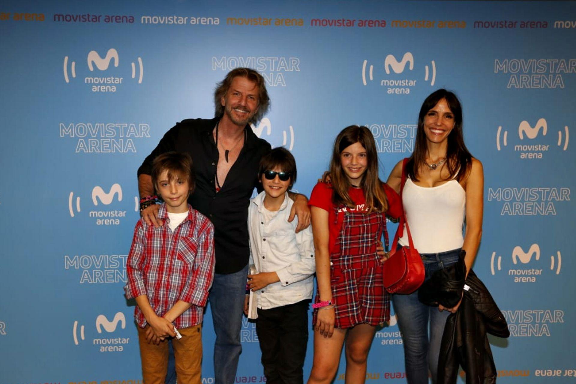 Facundo Arana y María Susini con sus hijos India, Yaco y Moro
