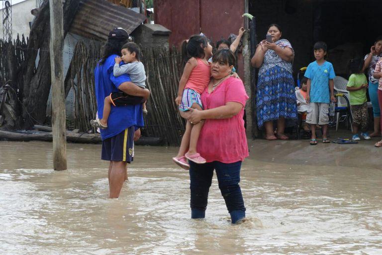 Inundaciones en Salta: continúan las lluvias y crece la cantidad de evacuados
