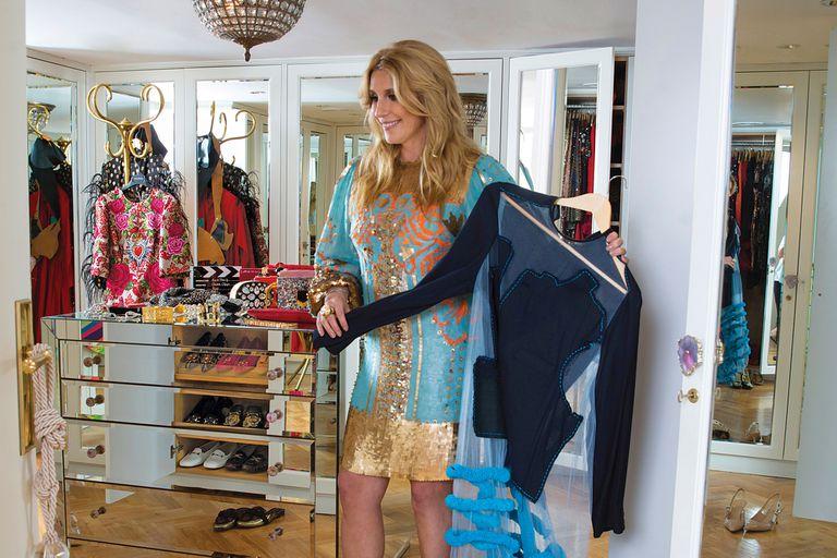 El vestidor de Amalia sería la perdición de cualquier fashionista. Para todos los días, elige ropa de marcas argentinas y es dueña de una interesante colección de vestidos de etiquetas de afuera, como Gucci, Dolce Gabbana y Valentino, y de zapatos que compra cuando está de viaje.