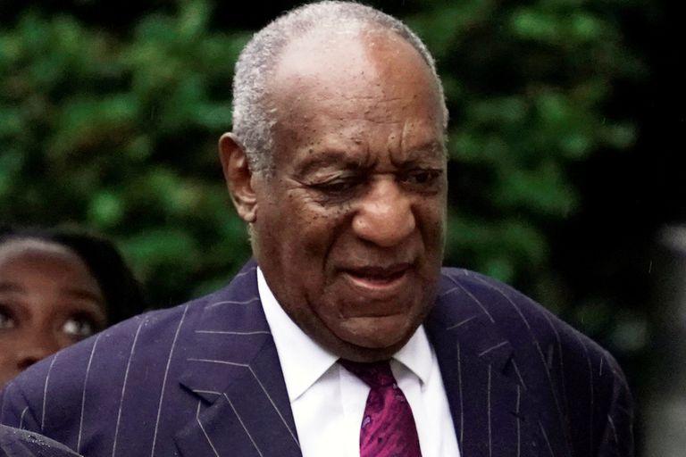 """Consideran a Bill Cosby """"depredador sexual violento"""" y dan a conocer su condena"""