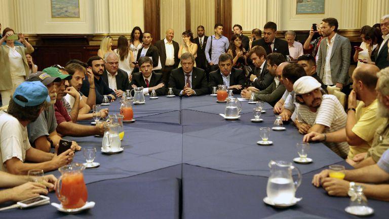 Abal Medina, Monzó, Negri y Massot, con las organizaciones sociales