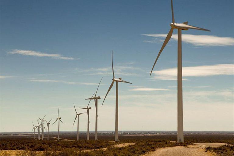 Según un documento, el Gobierno ofreció altas tasas de retorno a las empresas para acelerar la inversión y generó un costo extra anual de US$600 millones; el Ministerio de Energía lo justifica por la alta vulnerabilidad del sistema