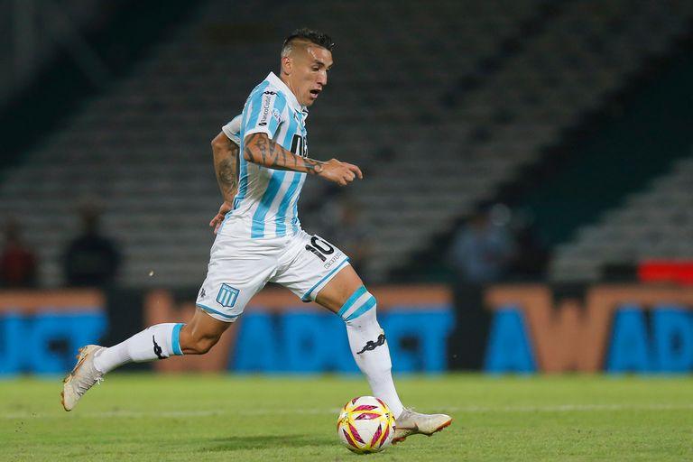 Centurión, tras vestir las camisetas de Racing y Boca, vuelve al fútbol argentino para jugar en Vélez