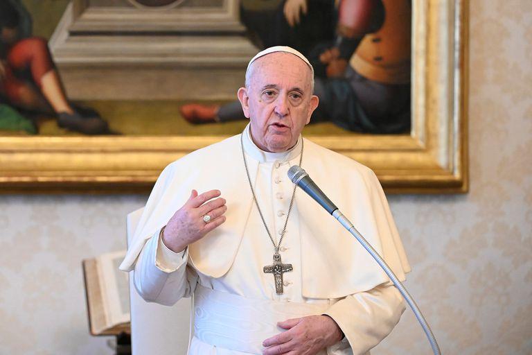 """Petrella: """"El Papa tiene una forma anacrónica de pensar el mundo y la economía"""""""