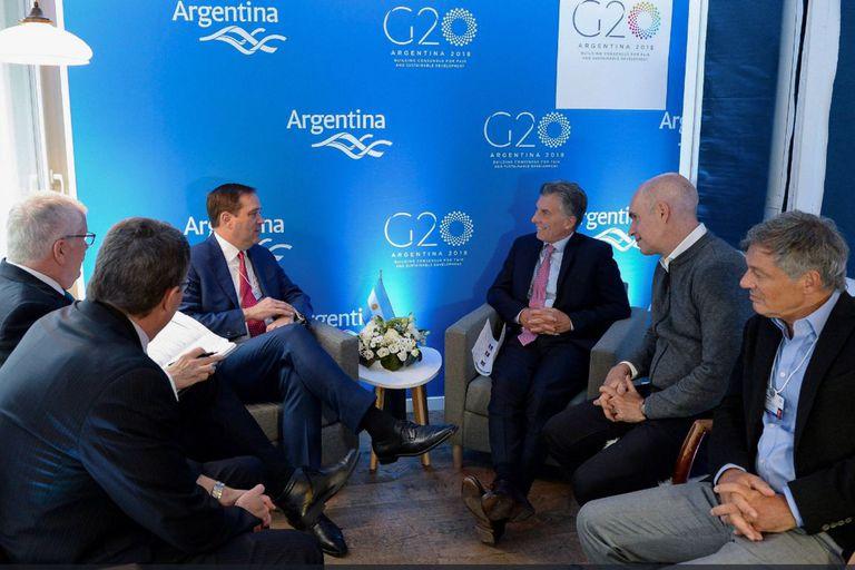 Macri rindió examen con un empresariado internacional más amigable