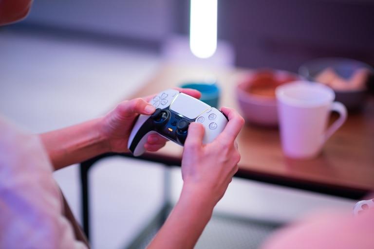 Al margen del nuevo Dualsense, Sony ha desarrollado un sistema para interactuar con un videjuego con casi cualquier objeto de uso cotidiano