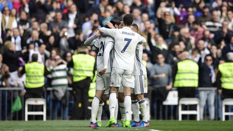 Real Madrid festeja su triunfo en el Bernabeu