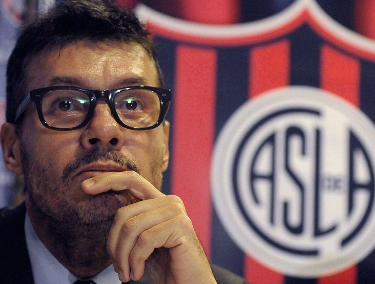 Marcelo Tinelli, presidente del Ciclón, pidió la tercer licencia desde que es dirigente de San Lorenzo y recibió críticas de la oposición