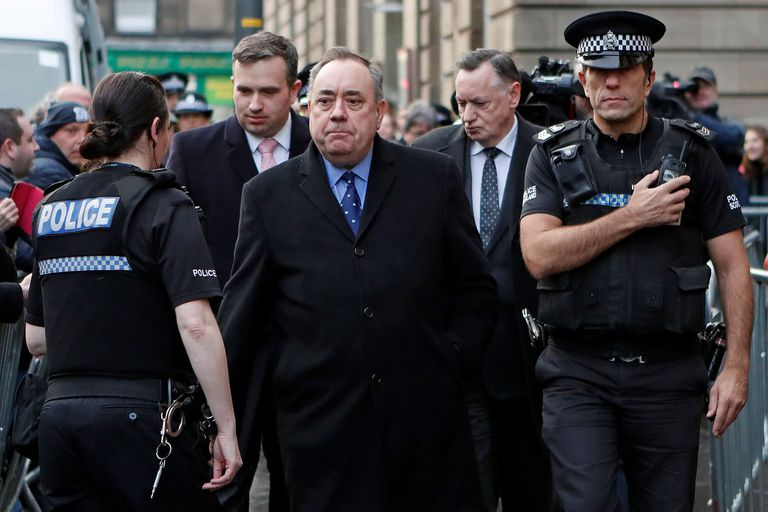 Imputan al ex primer ministro escocés por acoso sexual