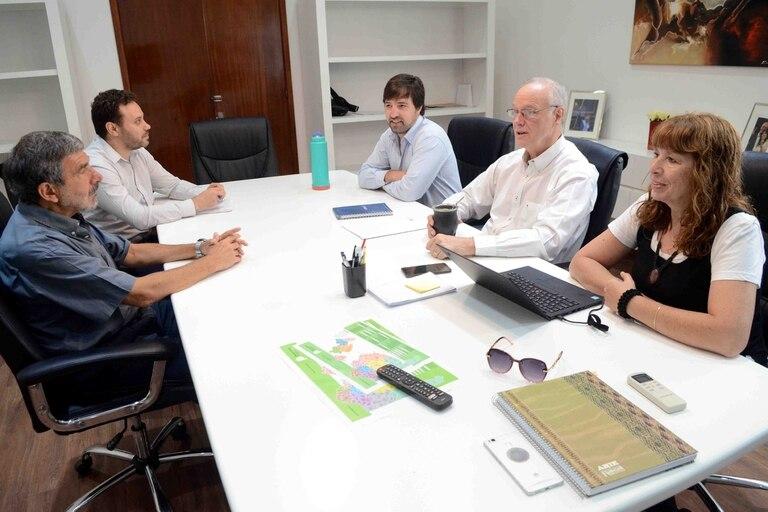 La exdirectora del Instituto de Hemoterapia bonaerense, junto al equipo de Salud de Daniel Gollán