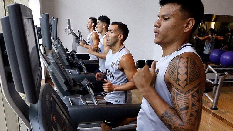 Carlos Tevez entrenando hoy en las instalaciones del hotel Sofitel Cardales