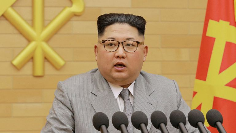 Tras pelear por el botón nuclear, Donald Trump asegura no tener problemas para reunirse con Kim Jong-un