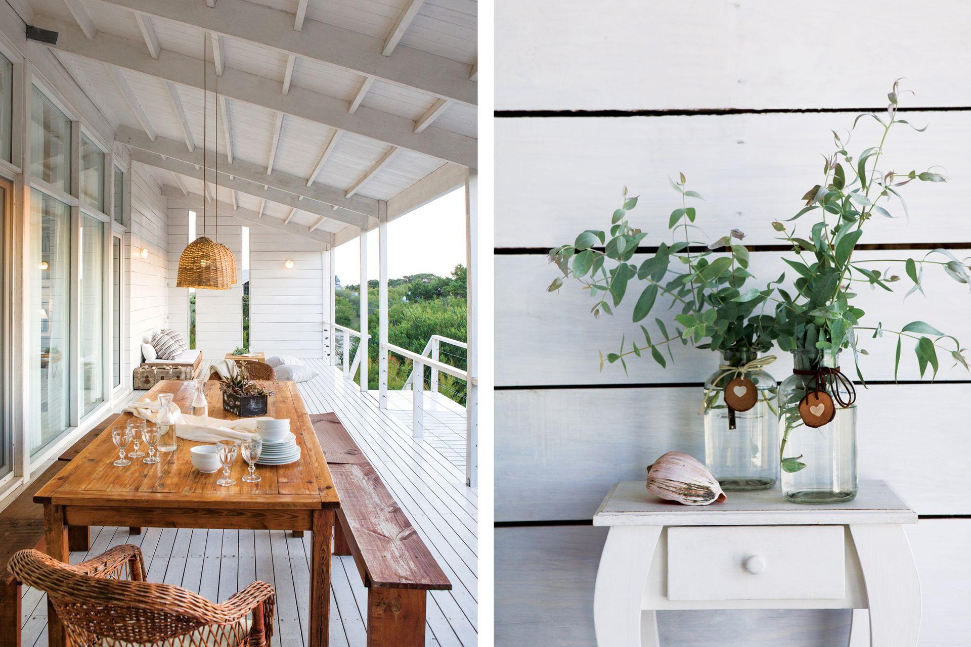 Los muebles en madera natural o blanca son la clave del clima cálido y elegante que tiene esta chacra de mar.