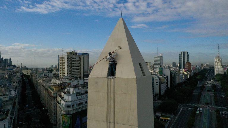 El Obelisco fue restaurado para su cumpleaños 85