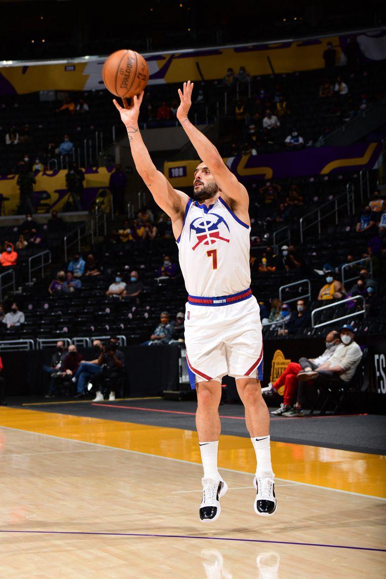 El triple que Facundo Campazzo anotó frente a Lakers, en Los Ángeles, donde Denver Nuggets perdió; hoy visita otra ciudad importante, Nueva York, y un estadio histórico, el Madison Square Garden.