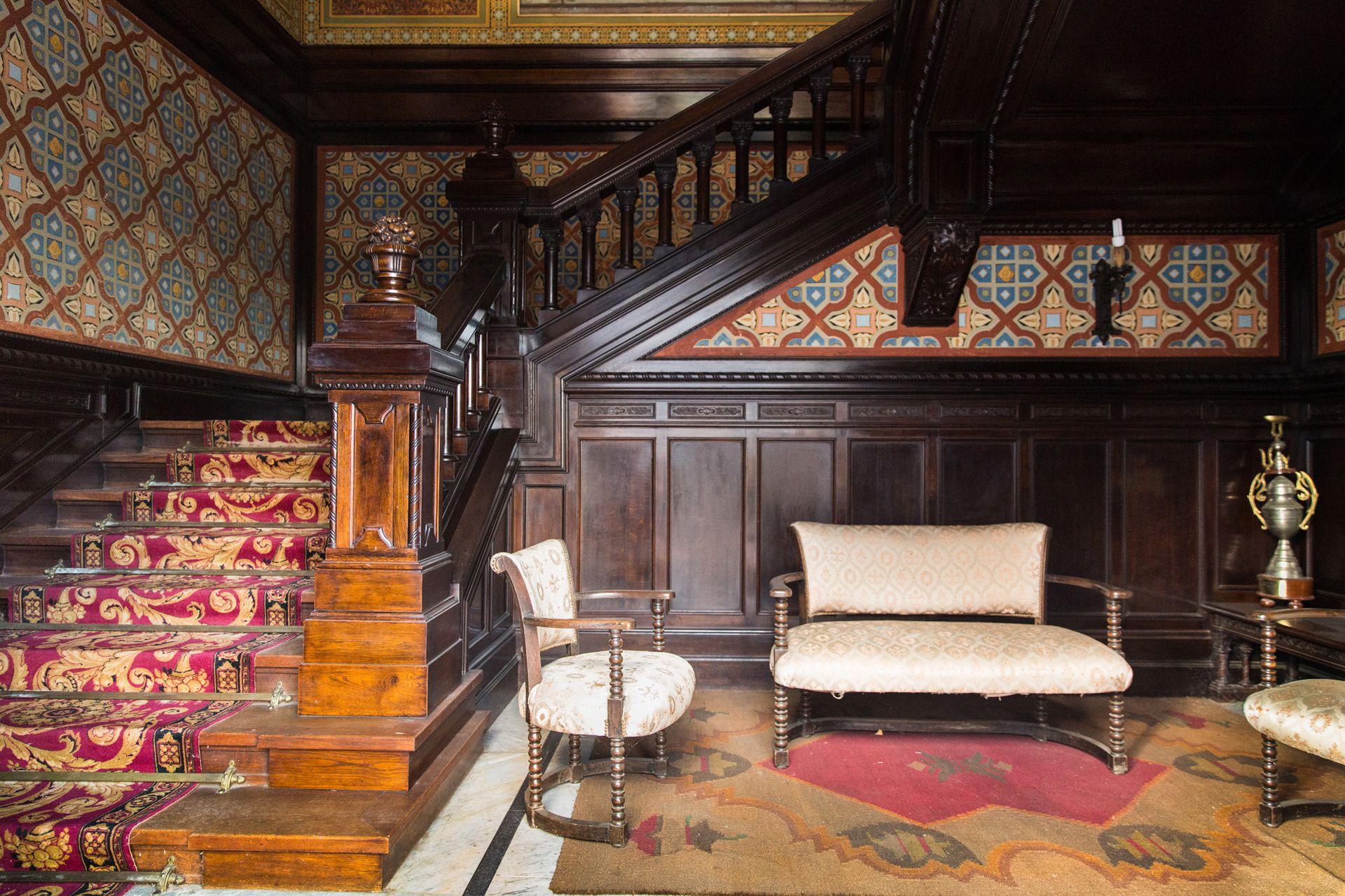 La escalera fue parte fundamental de la resolución del proyecto de Moretti, al igual que la fachada.
