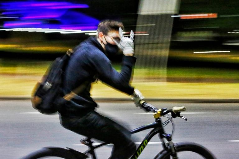 Runners, corredores, bicicletas en Palermo SOCIEDAD