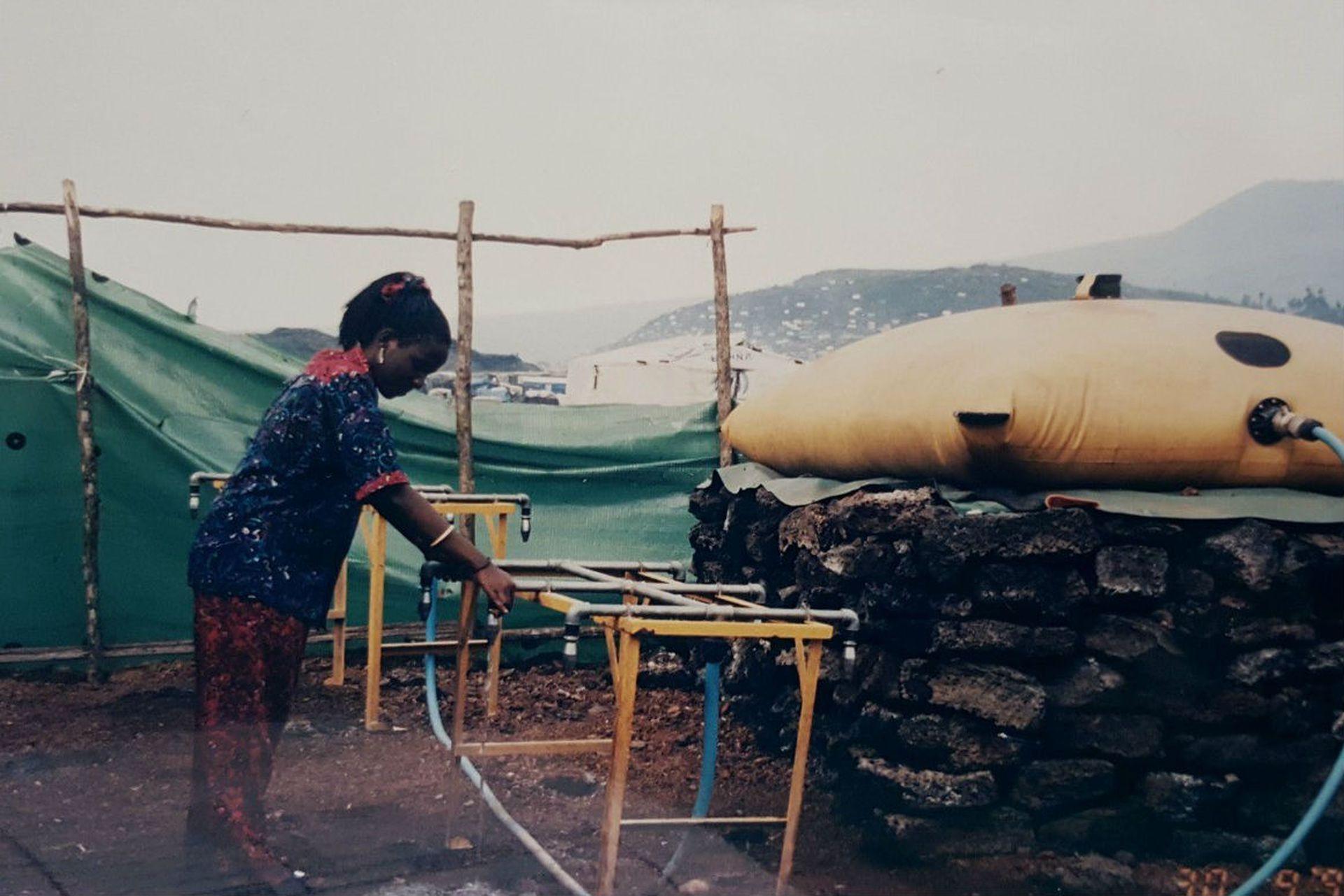 Otra imagen de Therese en el campo de refugiados