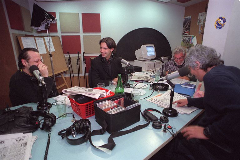 100 años de la radio: los programas y conductores que marcaron el ritmo de la FM