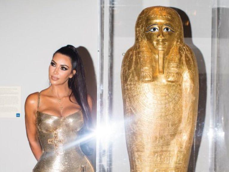 La foto de Kim Kardashian que ayudó a resolver el misterio de un antiguo sarcófago egipcio