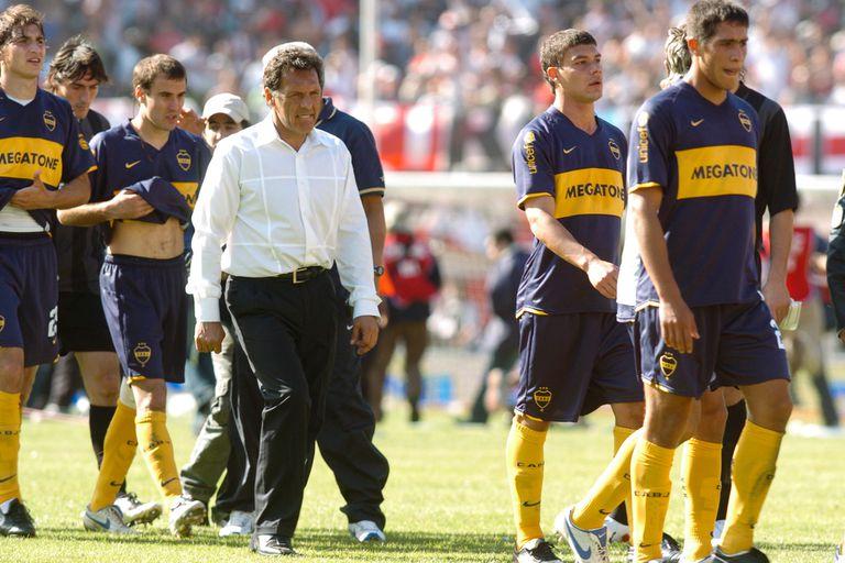 Miguel Ángel Russo en su primer ciclo en Boca, en 2008; ese año, con la Recopa, se dio el último éxito internacional de Boca, que ahora se especializa en conquistas locales.