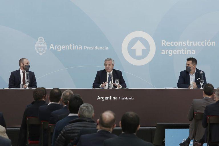 En el anuncio estuvo también Darío Martínez, un funcionario cercano a Cristina Kirchner