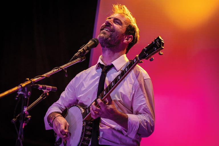 En su ciclo Desde La Tangente, Kevin Johansen empezó a usar aplausos grabados para que suenen después de cada tema y cortar el silencio que instaló la nueva normalidad en la música en vivo