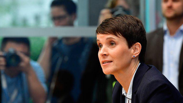 Frauke Petry abandonó el AfD y fundó El Partido Azul, también de derecha, defensor de los controles fronterizos y las restricciones al asilo