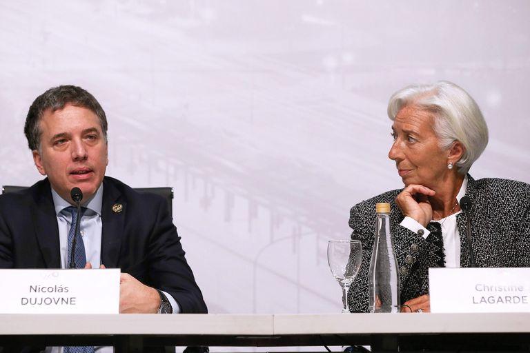 Nicolás Dujovne, ministro de Hacienda, junto a Christine Lagarde, directora gerente del FMI