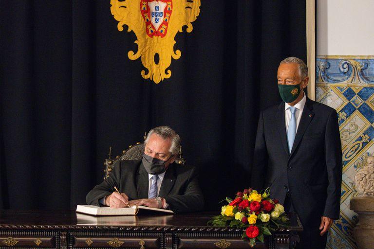 En el inicio de su gira por Europa, el presidente Alberto Fernández se mostró a favor de apurar la sanción de la ley de pandemia