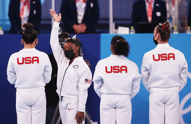 Abandonada por los funcionarios olímpicos estadounidenses, para Biles el tormento no cesa