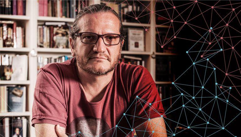 Darío Sztajnszrajber, de la sala grande del Konex al escenario virtual