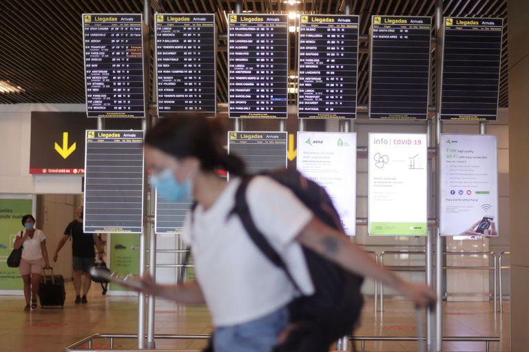 España no exigirá cuarentena, pero sí la presentación del certificado de vacunación: el viajero debe haberse aplicado las dos dosis al menos 14 días antes del viaje