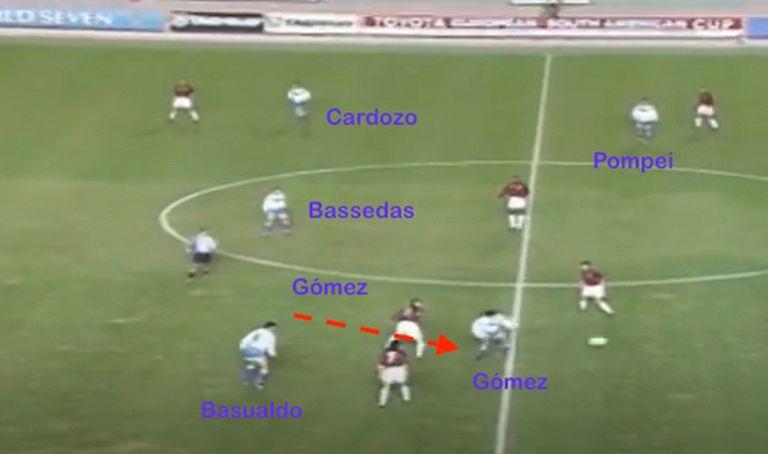 Equipo corto quería Bianchi frente a Milan y presión en el medio de la cancha; Marcelo Gómez recupera ante Marcel Desailly