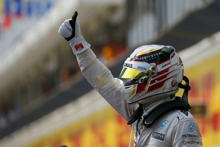 Pulgar en alto para Hamilton, el más veloz en Hungría