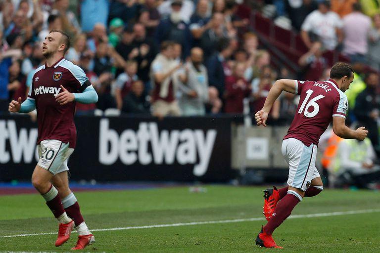 El momento que Mark Noble lamentará por siempre: ingresa para jugar por Jarrod Bowen; tocó la pelota una vez y erró un penal