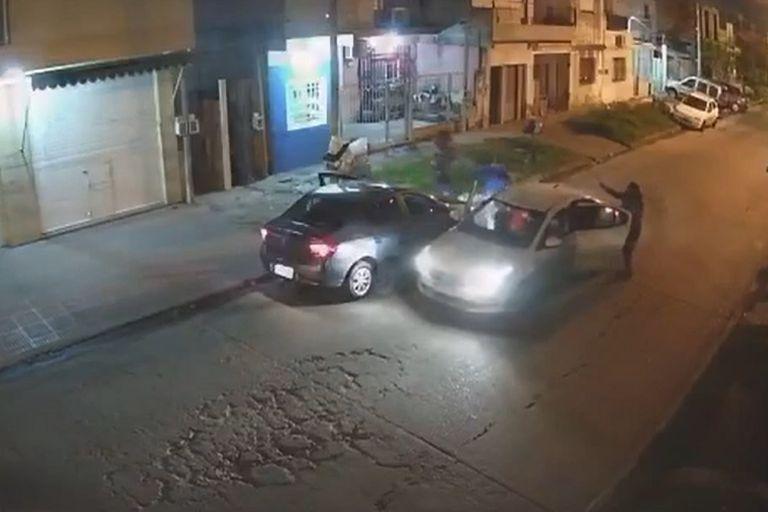Mostraba su auto 0 km, llegaron unos delincuentes y se lo robaron