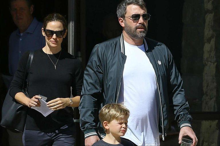 Affleck junto a su ex esposa, Jennifer Garner, gran compañera durante su recuperación
