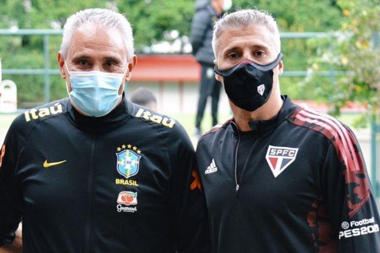 Hernán Crespo con Tité, entrenador de la selección de Brasil