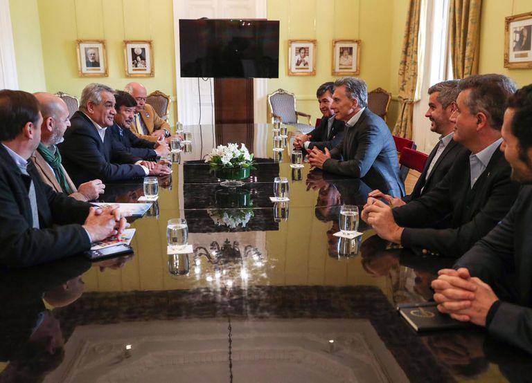 El presidente Mauricio Macri reunido con Luis Miguel Etchevehere y la Mesa de Enlace.
