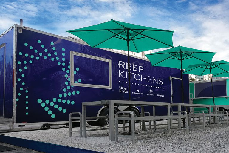 Reef, de Uber Eats, ubica cocina móviles en spots de varias ciudades del mundo