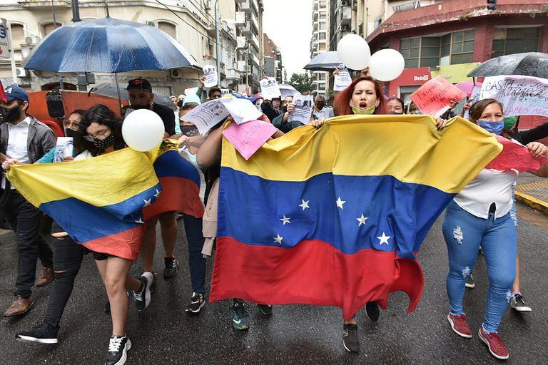 Se realizó una marcha para pedir justicia por la joven venezolana abusada sexualmente