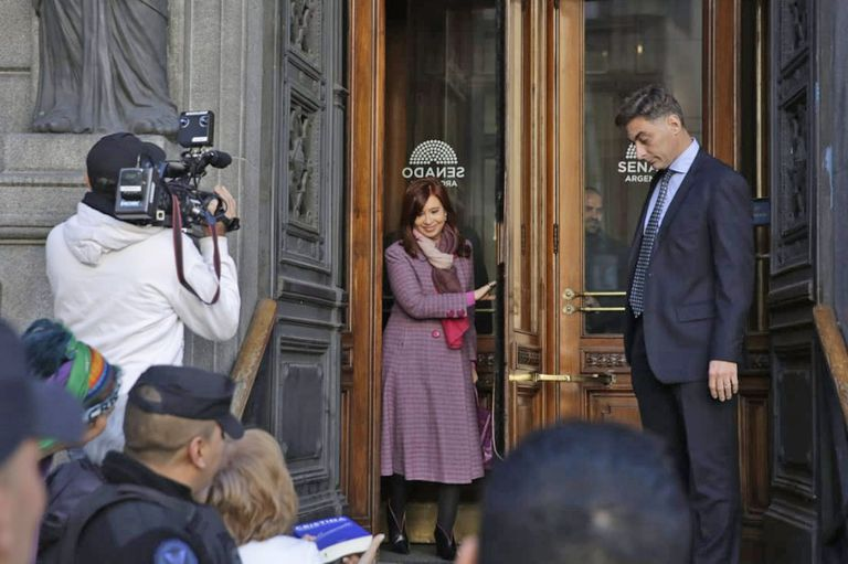 Michetti llamó a Cristina Kirchner para acordar la transición en el Senado