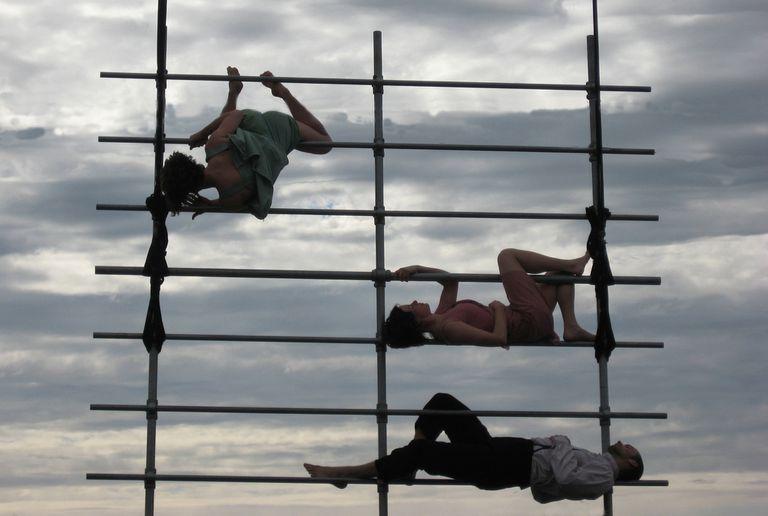 Arc, al aire libre, de la compañía de Charlotte Mooney
