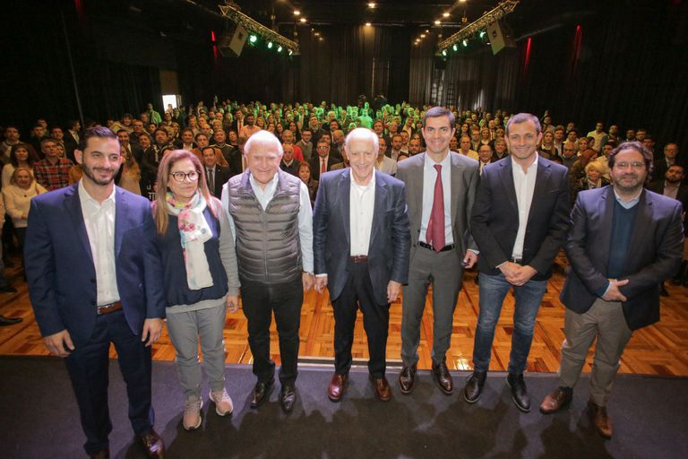 Lavagna reunió a su tropa para reforzar la estrategia antipolarización