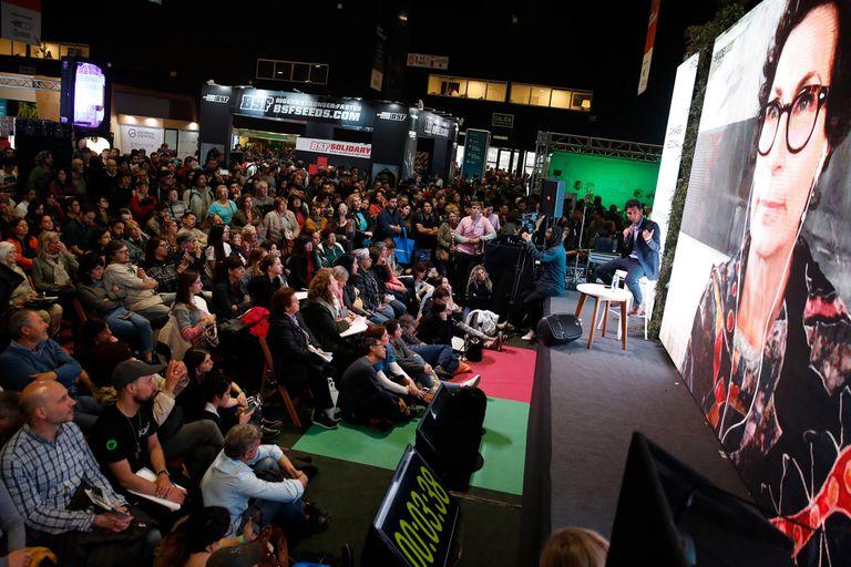Conferencias sobre el uso medicinal del cannabis son una constante en el exposición