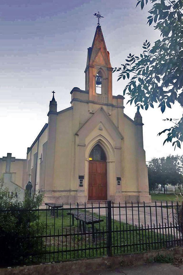 Iglesia San José, el patrón del pueblo, donde los hinchas se acercan para elevar unas plegarias para su equipo