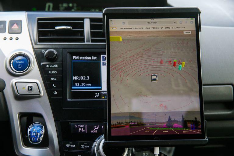 El auto al volante: así aprenden los vehículos autónomos a decidir por vos